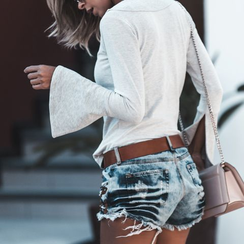 SHORTS DESFIADO BORDADO SUEDE