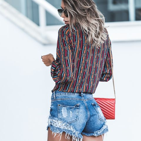 SHORTS JEANS LATERAL DO AVESSO