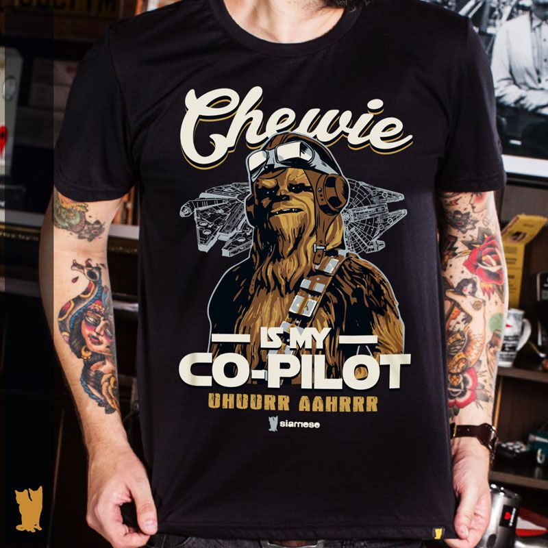 CAMISETA CHEWIE IS MY CO-PILOT