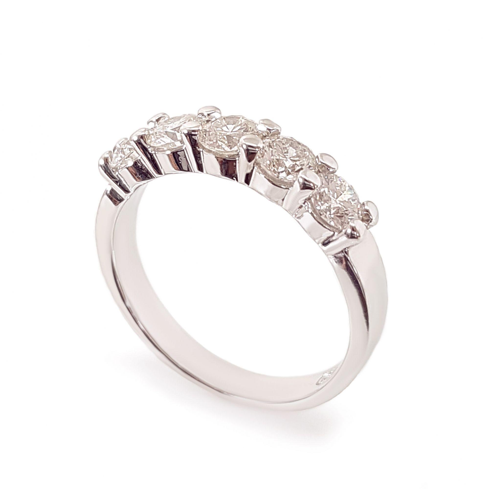 Anel Meia Aliança Ouro 18k com 1,25ct em Diamantes  - YVES