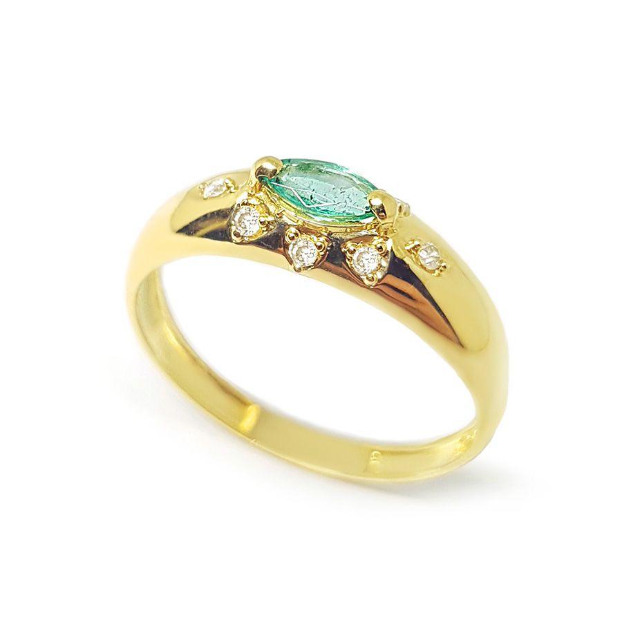 Anel Ouro 18k com Diamantes e Esmeralda Navete  - YVES