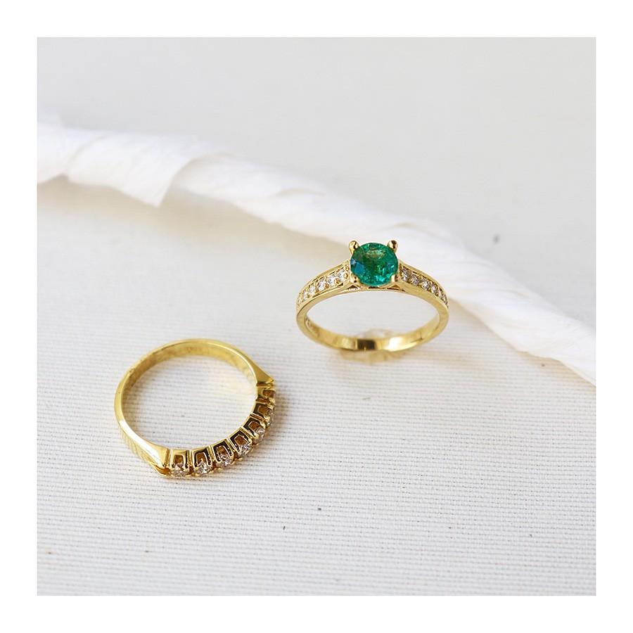 Anel Ouro 18k com Esmeralda de 65 pontos e Diamantes  - YVES