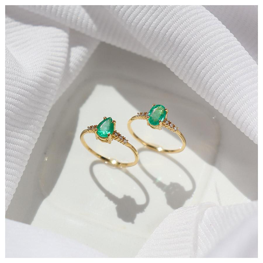 Anel Ouro 18k com Esmeralda Gota Grande e Diamantes  - YVES