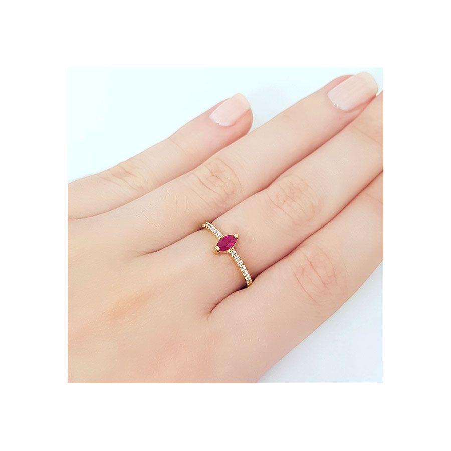 Anel Ouro 18k com Navete de Rubi e Diamantes   - YVES
