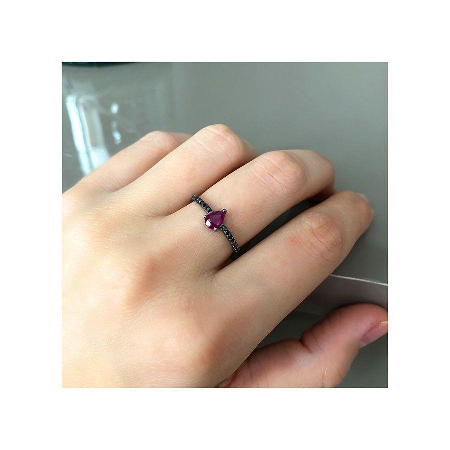 Anel Ouro 18k com Ródio Negro com Rubi e Diamantes Negro  - YVES
