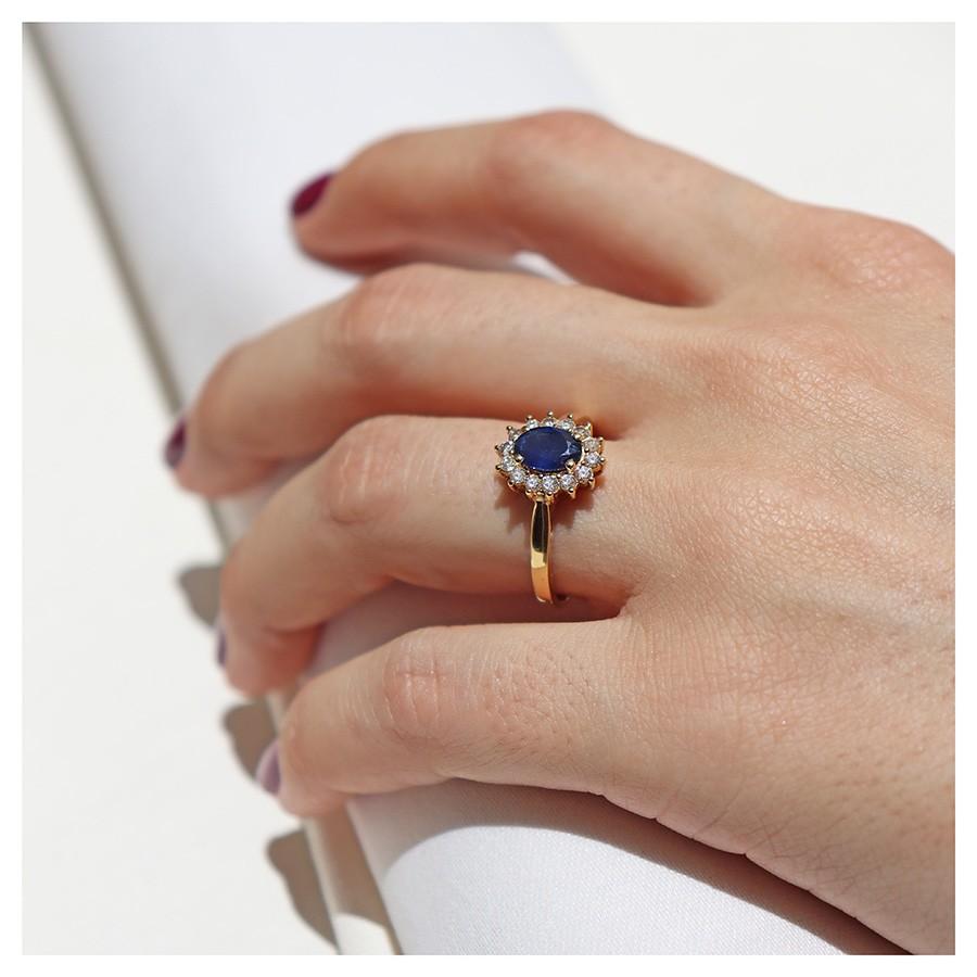 Anel Ouro 18k com Safira Oval e Diamantes  - YVES