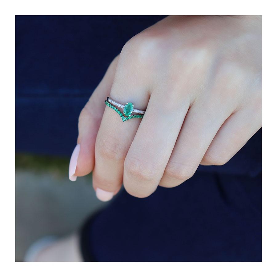 Anel Purity Ouro 18k com Esmeralda Oval e Diamantes  - YVES
