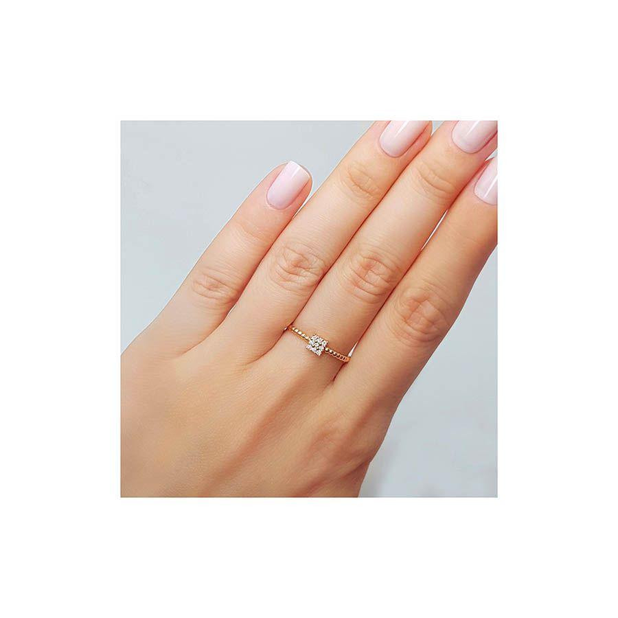 Anel Quadrado Ouro 18k com 9 Diamantes   - YVES