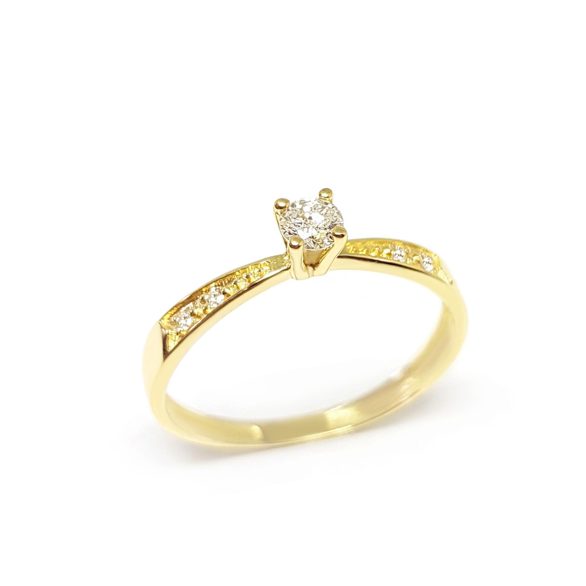 45f98cf837175 Anel Solitário Ouro 18k com Diamantes e Diamante Central de 16 pontos -  YVES