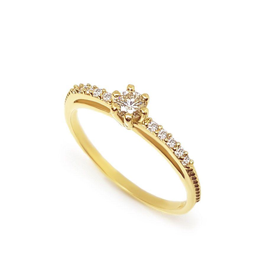 Anel Solitário Ouro 18k com Diamantes e Diamante Central de 17 pontos