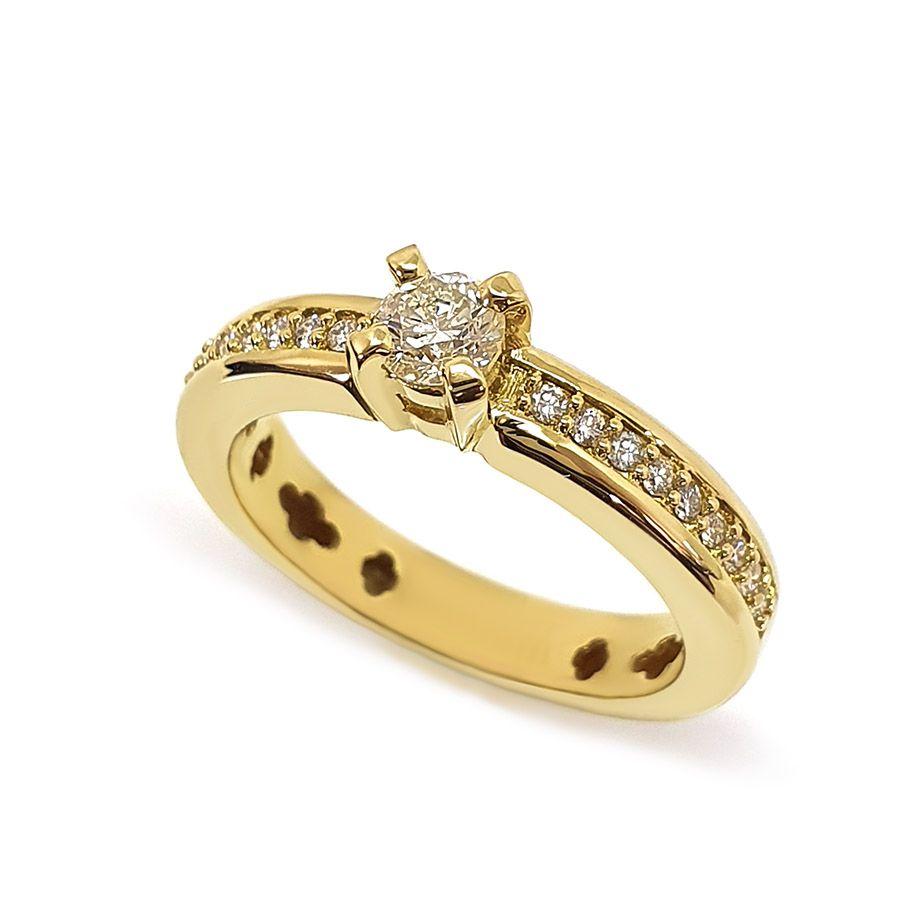 Anel Solitário Ouro 18k com Diamantes e Diamante Central de 30 pontos