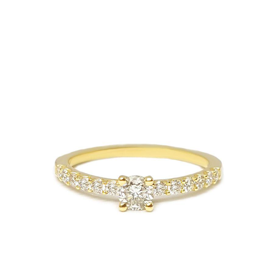 Anel Sólitario Ouro 18k com Diamantes e Diamante Central de 30 pontos  - YVES