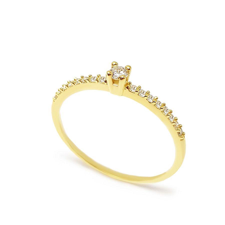 Anel Solitário Ouro 18k com Diamantes e Diamante Central de 6 pontos