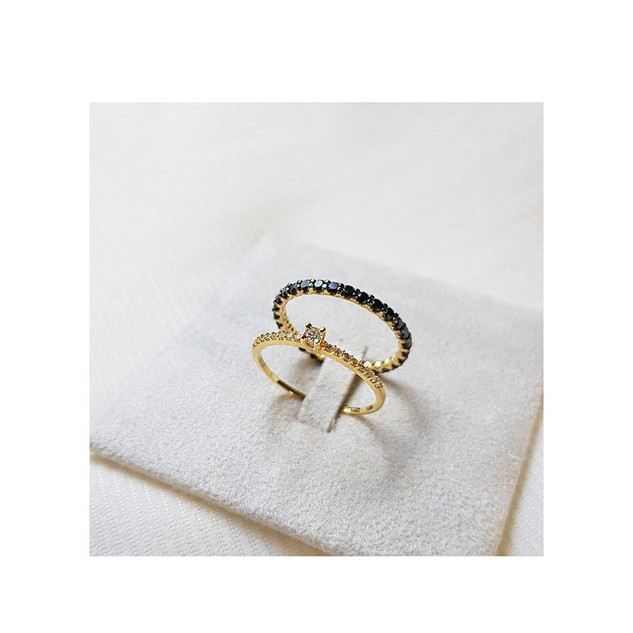 Anel Solitário Ouro 18k com Diamantes e Diamante Central de 6 pontos  - YVES