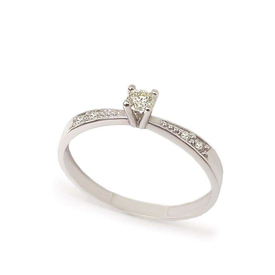 Anel Solitário Ouro 18k com Diamantes e Diamante Central de 8 pontos