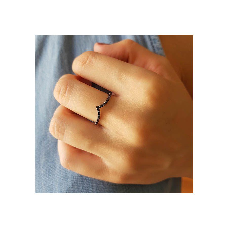 Anel V Ouro 18k com Diamantes Negro  - YVES