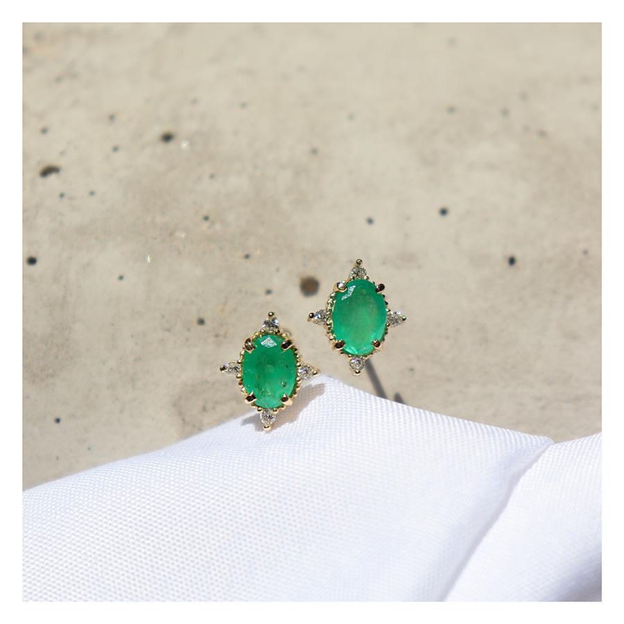 Brinco Ouro 18k com Esmeralda Oval Média com Diamantes  - YVES