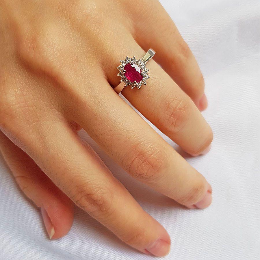 Conjunto Anel Brinco Pingente Ouro 18k Rubi Oval com Diamantes  - YVES