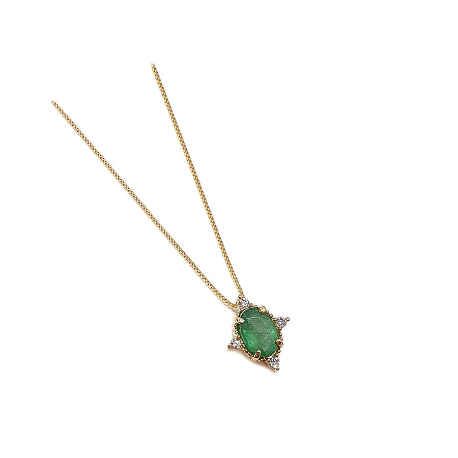 Corrente com Pingente Ouro 18k com Esmeralda Oval Média com Diamantes  - YVES