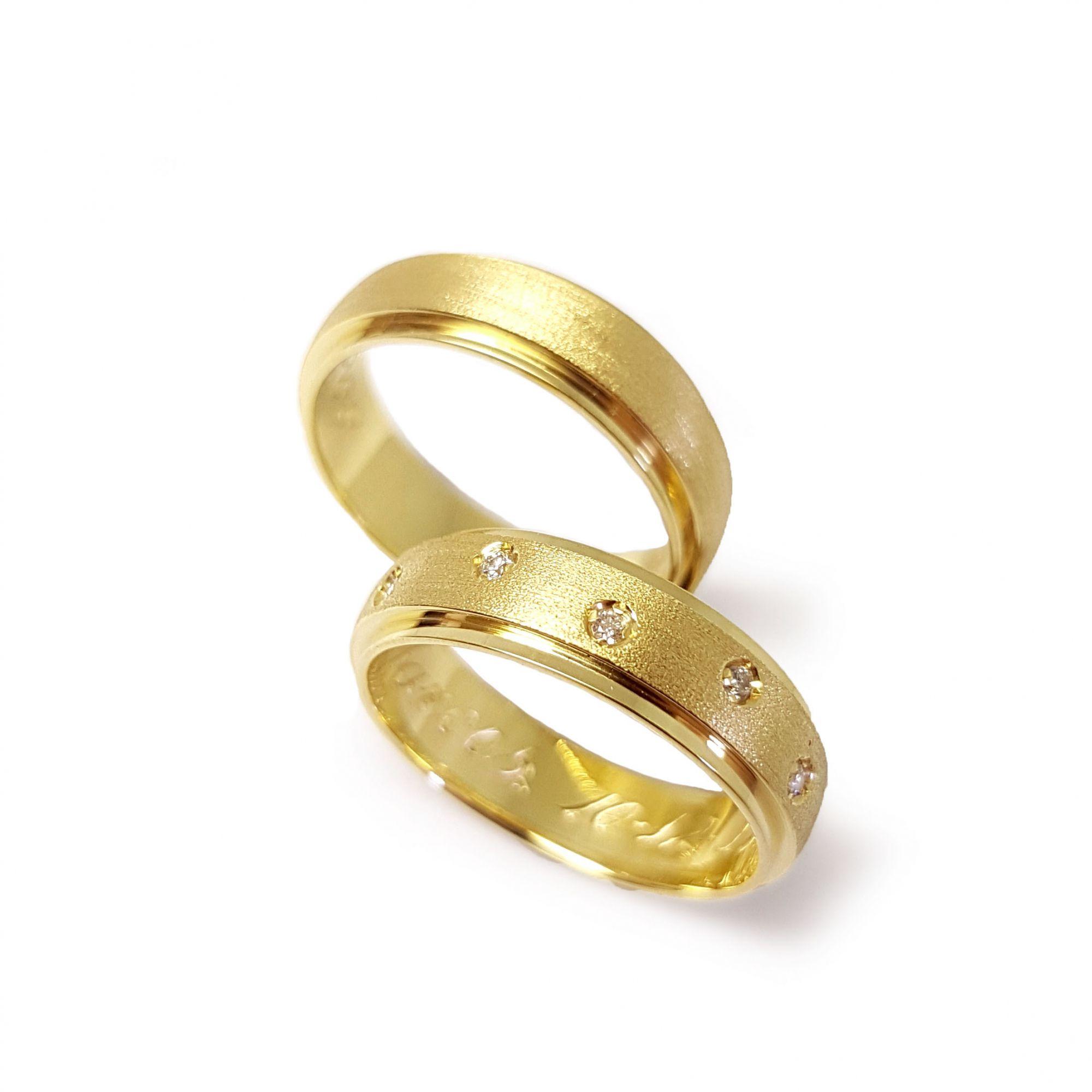 aa9bebf47c843 Par de Aliança Ouro 18k com 5 Diamantes - YVES