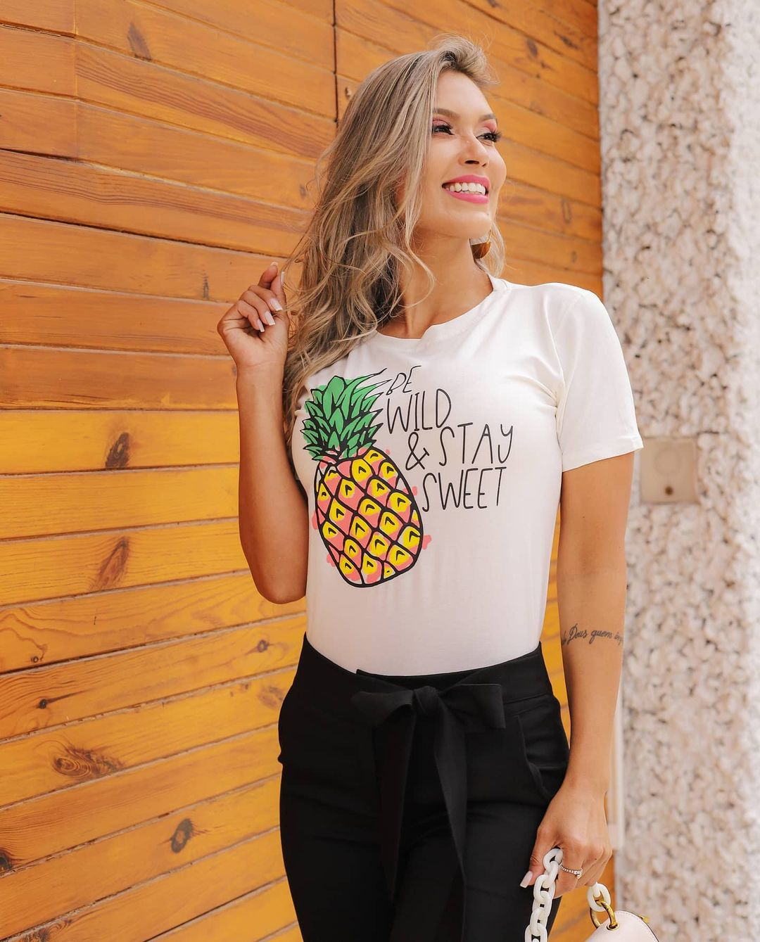 T-Shirt Abacaxi GBB 196