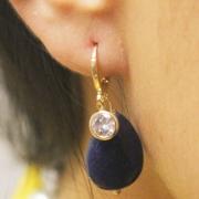 Brinco gota Jade azul e Zircônia, com argola banho ouro 18K