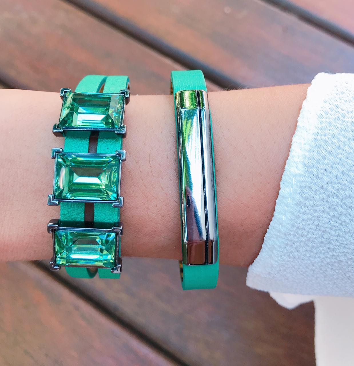 Bracelete em Couro Verde , Entremeio Retangular