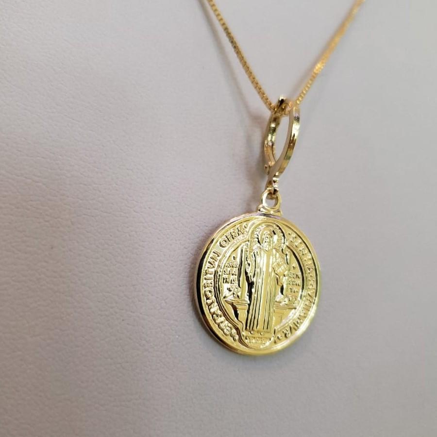 Colar com Medalha de São Bento