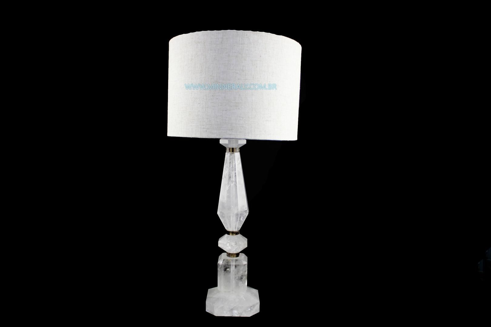 Abajur de Quartzo ou Cristal Branco in Natura (7,470kg; 74,0cm)