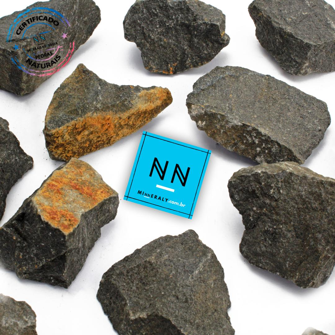 Basalto Negro in Natura Bruta/Peça