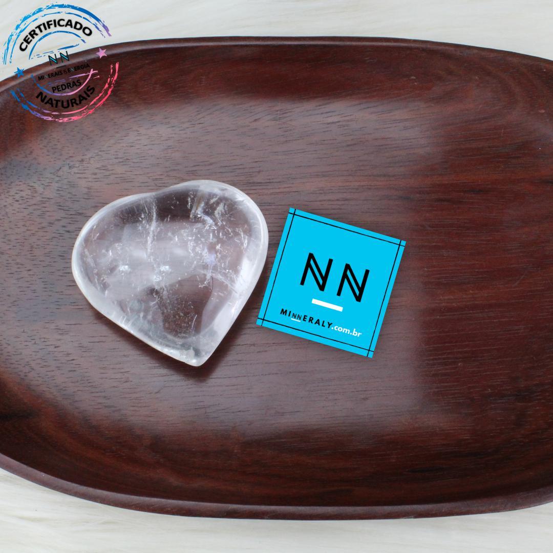 Coracao de Quartzo ou Cristal Branco IN Natura (0,092KG; ALT: 5,3CM; COMP: 5,7CM; LARG: 2,3CM)