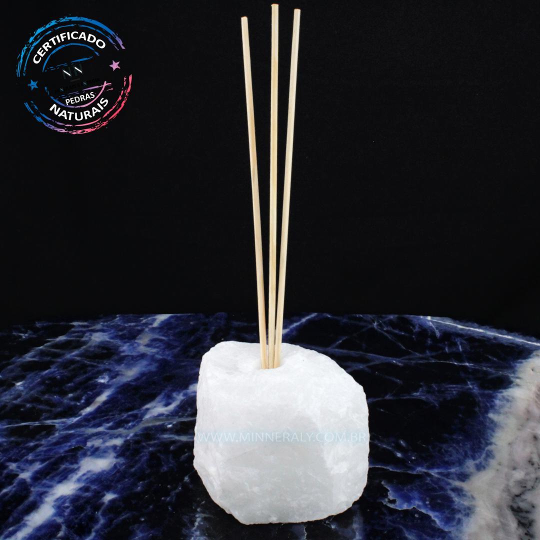 Difusor de Quartzo Neve (leitoso ou Quartzita) IN Natura em Bruto (1,150KG; ALT: 8,3CM; COMP: 10,5CM; LARG: 8,0CM)