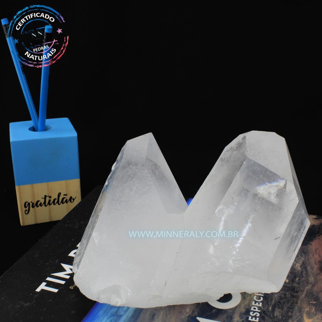 Drusa de Quartzo ou Cristal Branca IN Natura em Bruto (1,460KG; ALT: 12,0CM; COMP: 7,4CM; LARG: 14,2CM)