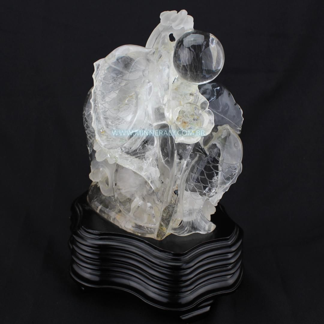 Escultura de Quartzo ou Cristal IN Natura  (3,595KG; ALT: 29,0CM; COMP: 14,2CM; LARG: 20,0CM)