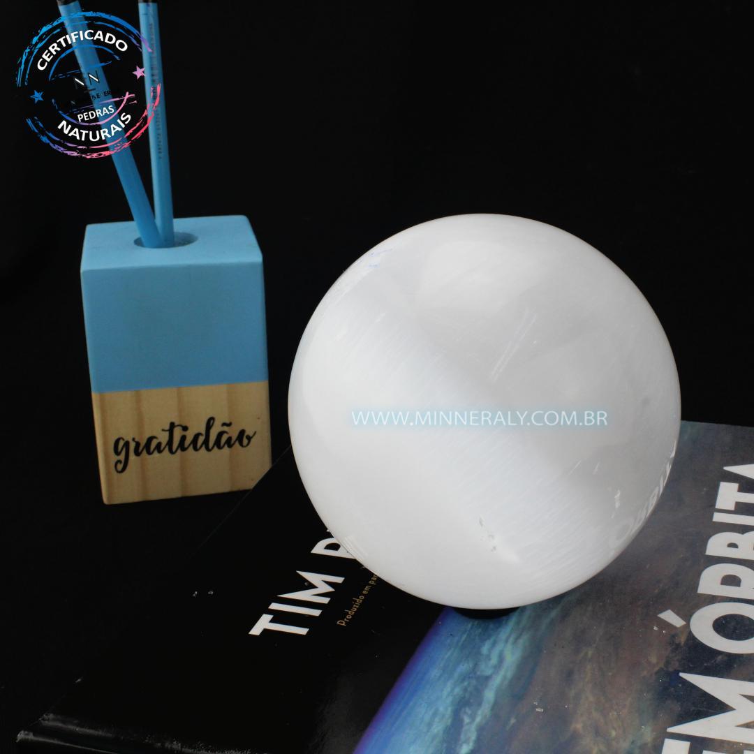 Esfera de Selenita Branca IN Natura (1,000KG; Diam: 8,5CM)