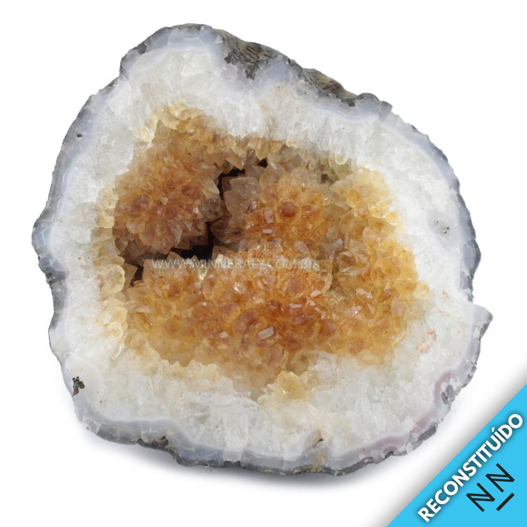 Geodo de Citrino Reconstituída em Bruto (0,680KG; ALT: 9,5CM; COMP: 9,8CM; LARG: 8,5CM)