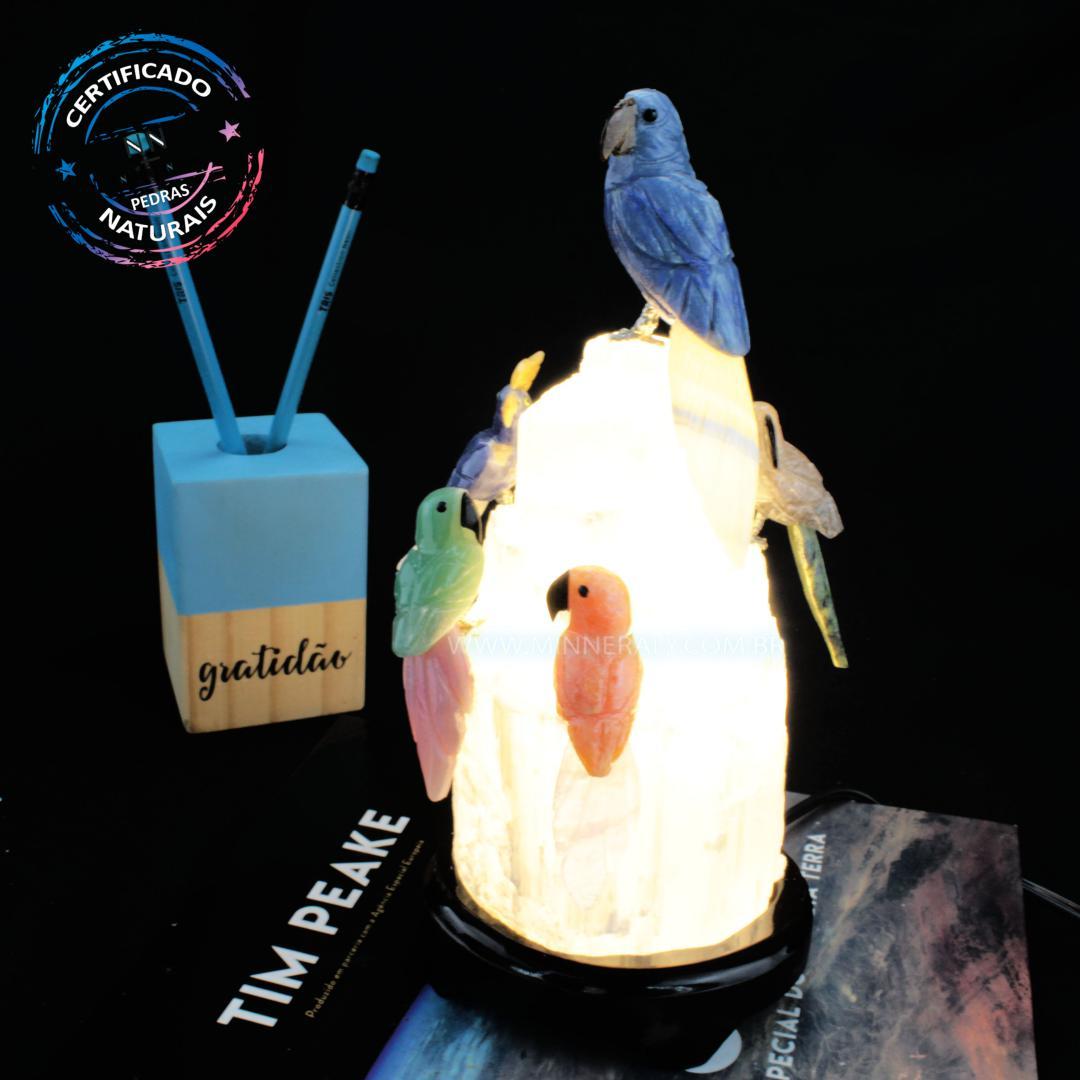 Luminária de Selenita Branco com Pássaros Diversos (1,218KG; ALT: 23,1CM; COMP: 11,7CM; LARG: 9,5CM)