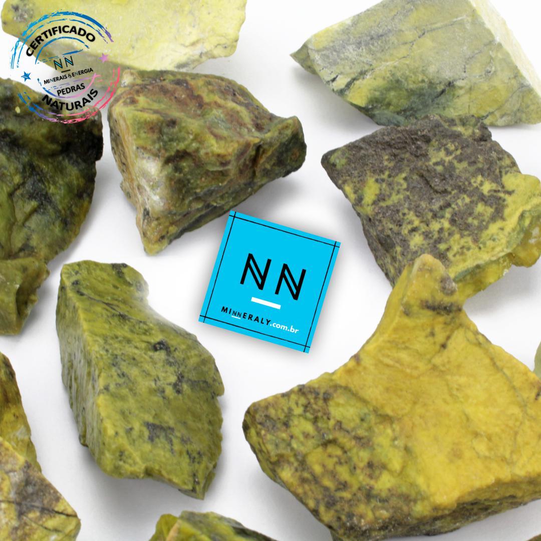Pedra do Infinito (Serpentina Verde-Clara) in Natura Bruta/Peça