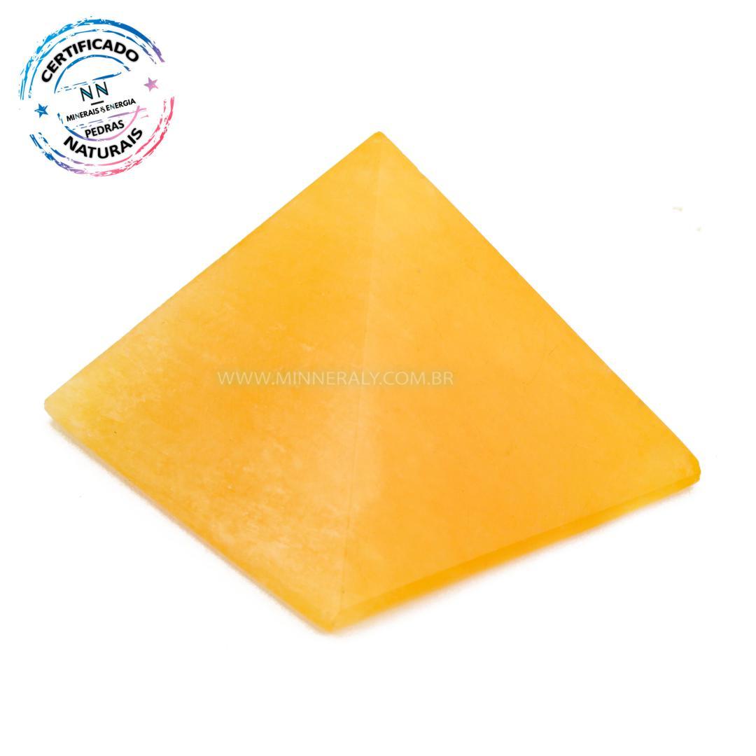 Pirâmide de Calcita Amarela IN Natura (0,050KG; ALT: 3,1CM; COMP; 4,1CM; LARG: 4,0CM)