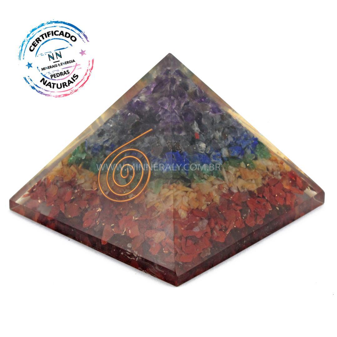 Pirâmide de Organite de 7 Chakras IN Natura (0,200KG; ALT: 7,7CM; COMP; 9,8CM; LARG: 9,6CM)