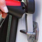 Alça de apoio para auxiliar a saída e entrada em carros