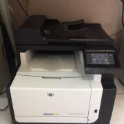 Impressora HP Color Laserjet CM1415FN