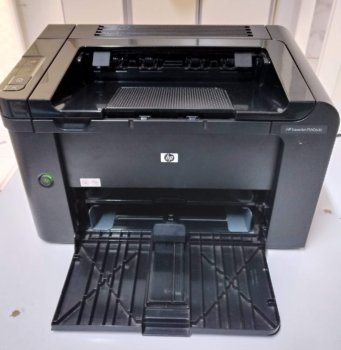Impressora HP LaserJet P1606DN