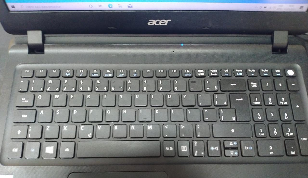 Notebook Acer ES1-572 I3/8GB/120SSD