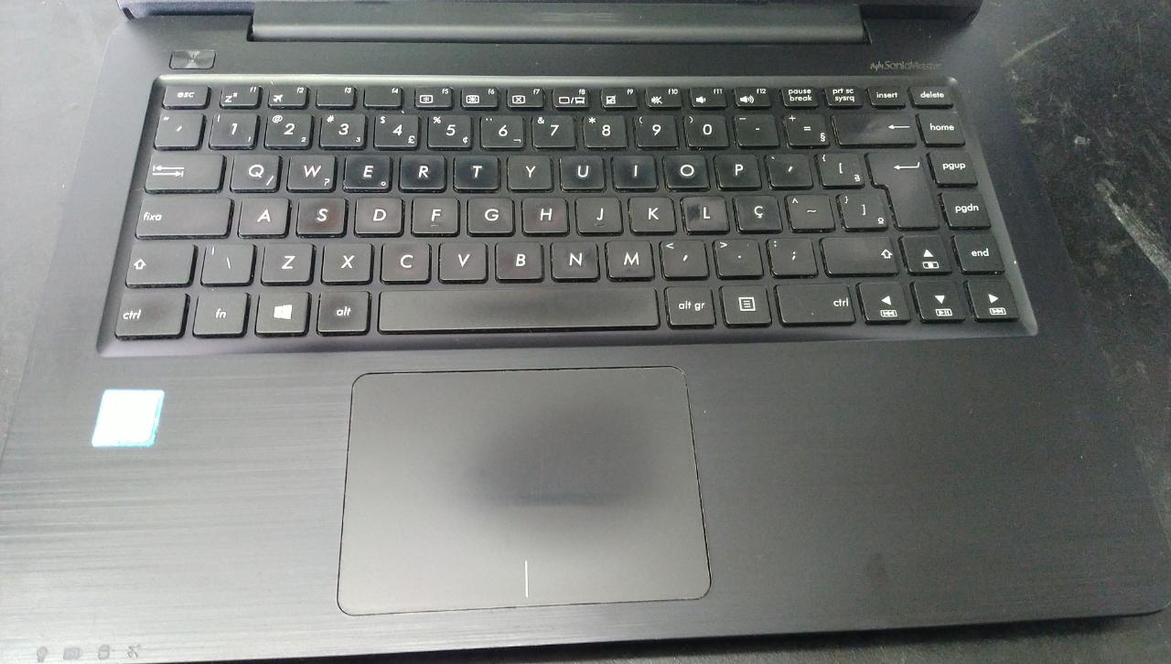Notebook Asus i5/8GB/1TB