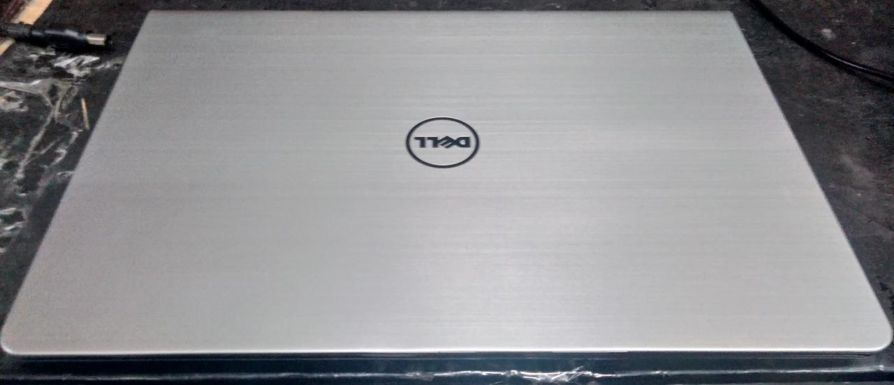Notebook Dell Inspiron 15 P39F i7/8gb/touch