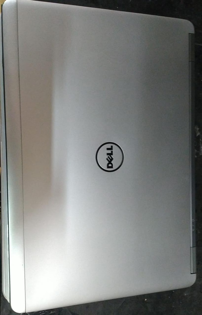 Notebook Dell Latitude 7440