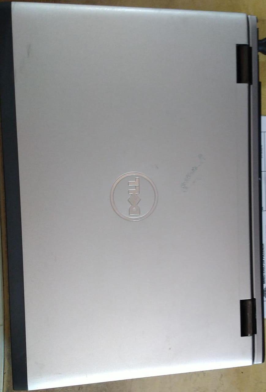 Notebook Dell Vostro 3450 com detalhe