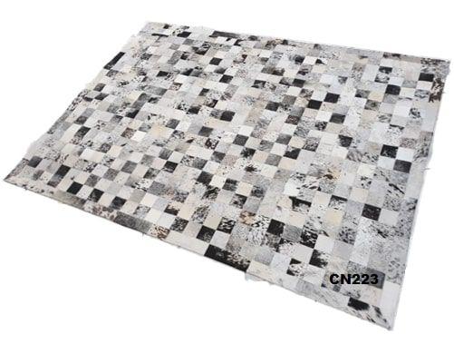 Tapete de Couro de Boi 2,5m X 2m Natural Costurado 10cm x 10cm Com Borda - MG03