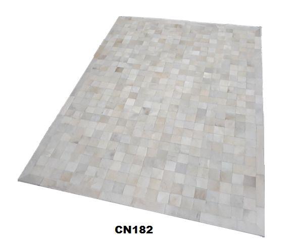Tapete de Couro de Boi 2m X 1,5m Natural Costurado 7cm x 7cm Com Borda - MG01